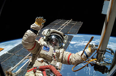 Iss Spacewalk Art Print