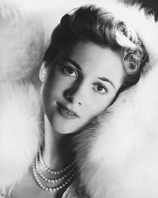 Fontaine Photograph - Joan Fontaine by Silver Screen