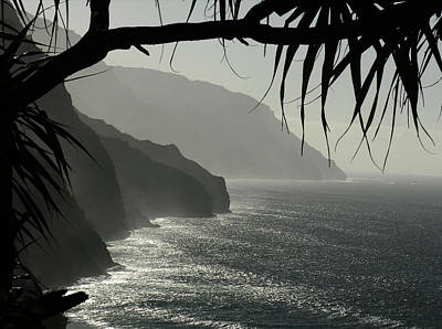Photograph - Kalalau Trail Napali Coast Winter by Robert Lozen