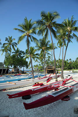 Canoe Photograph - Kamakahonu Beach, Kailua-kona, Big by Douglas Peebles
