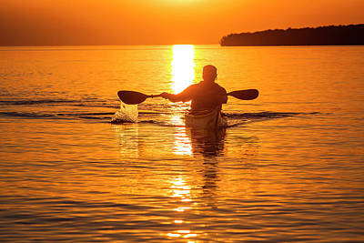 Model Released Photograph - Kayaking At Sunset In The Apostle by Chuck Haney