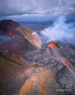 Photograph - Kilauea Volcano, Hawaii by Douglas Peebles