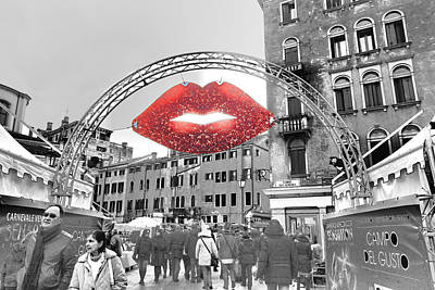 Photograph - Kiss From Venice by Indiana Zuckerman