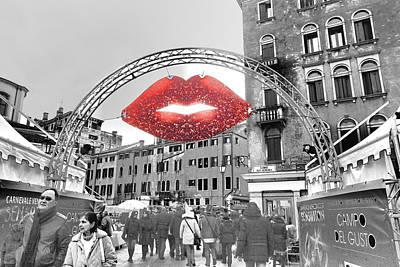 Photograph - Kiss From Venice by Indiana Zuckerman