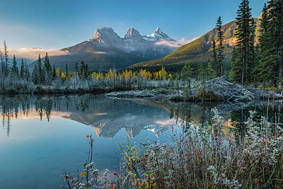 Fall Colors Photograph - Lake With Mountains In Background by Panoramic Images