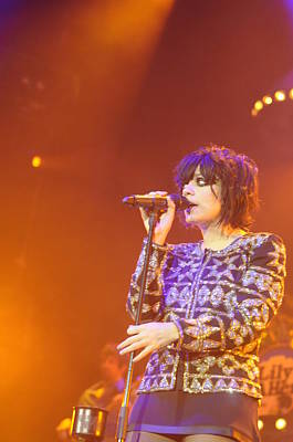 Photograph - Lily Allen by Jenny Potter