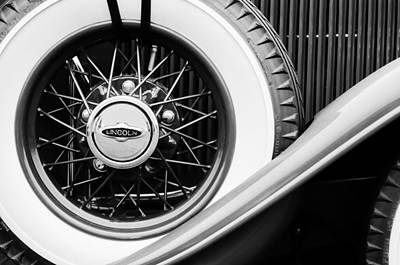 Photograph - Lincoln Spare Tire Emblem by Jill Reger