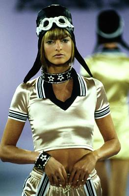 Fashion Show Photograph - Linda Evangelista On A Runway For Anna Sui by Guy Marineau