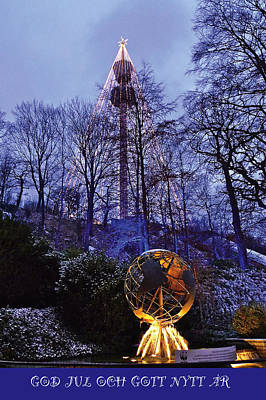 Mixed Media - Liseberg I Julskrud by Leif Sodergren