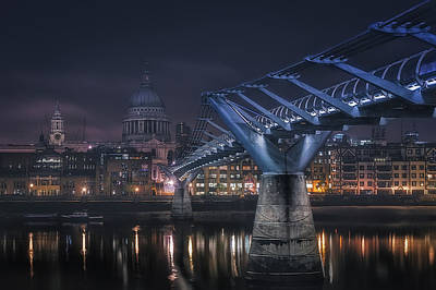 England Wall Art - Photograph - London by Adhemar Duro