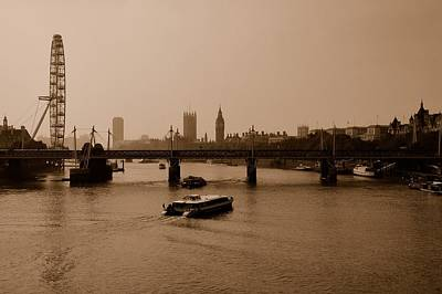 Photograph - London by Steven Richman