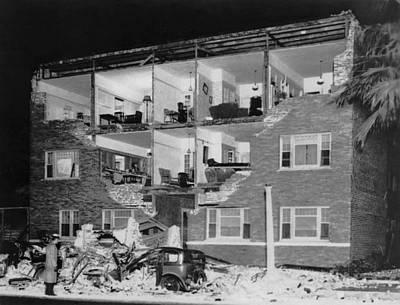 Long Beach Earthquake Art Print by Underwood Archives