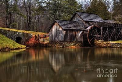 Mabry Mill Art Print by Robert Loe