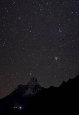 Snowy Night Photograph - Mars Rising Over The Himalayas by Babak Tafreshi