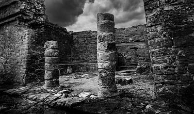 Photograph - Mayan Ruin by Julian Cook
