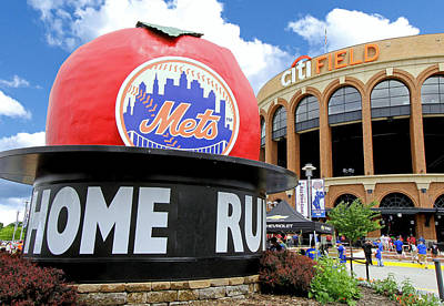 Photograph - Mets Home Run Apple by Allen Beatty