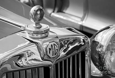Photograph - Mg Grille by Chris Dutton
