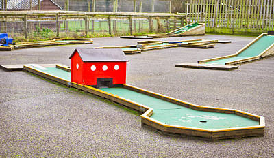 Putt Photograph - Mini Golf by Tom Gowanlock