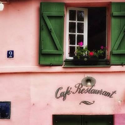 Pink Wall Art - Photograph - Montmartre Pink by Georgia Fowler