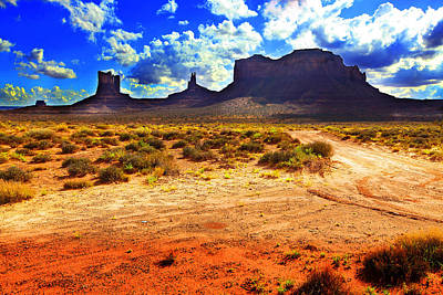 Photograph - Monument Valley Utah Usa by Richard Wiggins