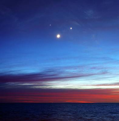 Moon With Jupiter And Venus Art Print by Luis Argerich