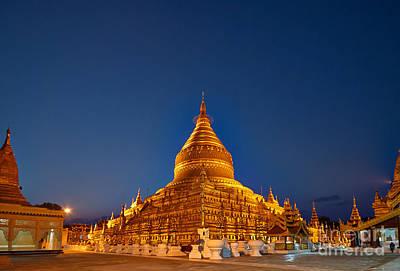Night Shot Golden Shwezigon Pagoda Original