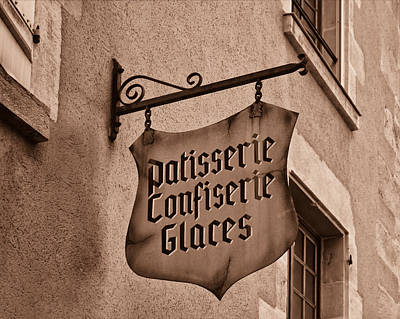 Boulangerie Photograph - Old Fashioned Patisserie by Georgia Fowler