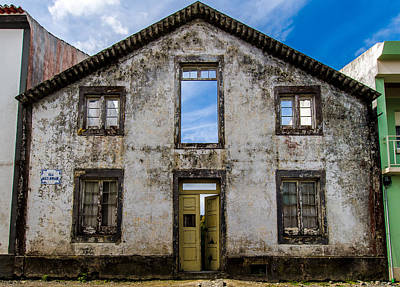 Photograph - Old House Standing by Joseph Amaral