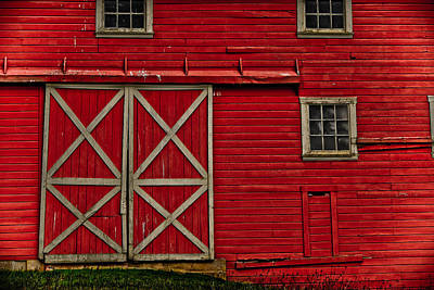 Photograph - Old Red Barn by Bonnie Bruno