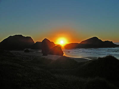 Photograph - Oregon Coast Sunset by Jack Moskovita
