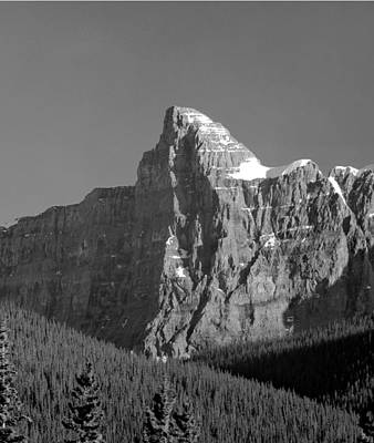 Photograph - 1m3621-bw-v-outlier Of Mt. Murchison  by Ed  Cooper Photography