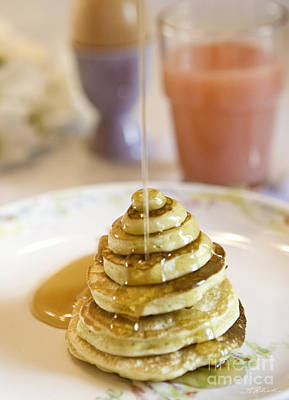 Pour Photograph - Pancake Piramid by Iris Richardson