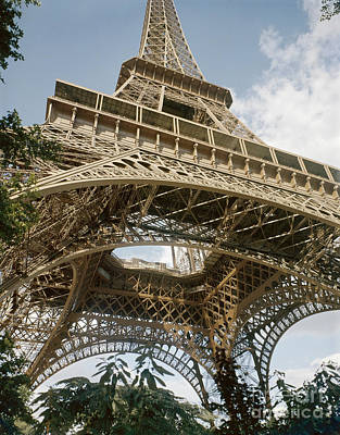 Photograph - Paris: Eiffel Tower by Granger