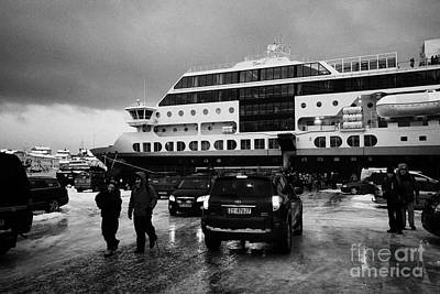 Passengers Disembarking Ms Midnatsol Hurtigruten Cruise Ship Berthed In Honningsvag Harbour Norway E Art Print by Joe Fox