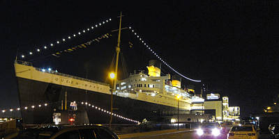 Liner Photograph - Queen Mary - 12122 by DC Photographer