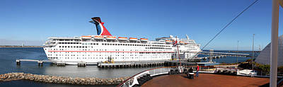 Mary Photograph - Queen Mary - 12127 by DC Photographer