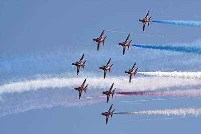 Photograph - Red Arrows Flying In Formation by Steve Ball