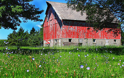 Photograph - Red Barn by Virginia Folkman