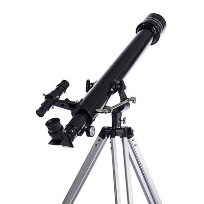 Tripods Photograph - Refracting Telescope by Science Photo Library