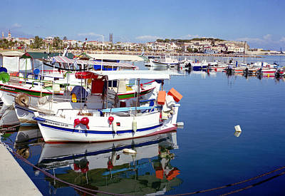 Photograph - Rethymnon Harbour In Crete by Paul Cowan