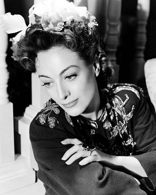 Cocktail Ring Photograph - Reunion In France, Joan Crawford, 1942 by Everett