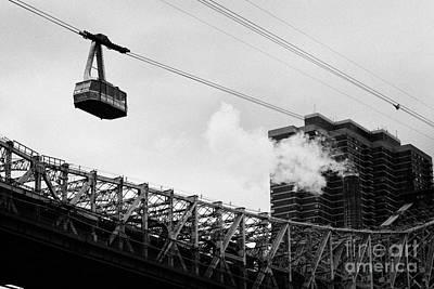 Roosevelt Island Aerial Tram Cable Car And Queensboro Bridge New York City Art Print
