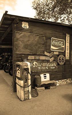 Route 66 Garage And Pump Art Print