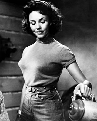 1950s Movies Photograph - Ruby Gentry, Jennifer Jones, 1952, Tm & by Everett