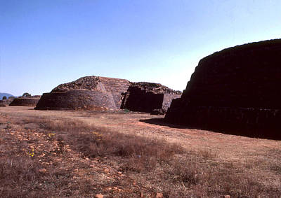 Photograph - Ruinas Yacatas by Robert  Rodvik