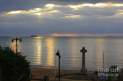 Photograph - Sandown Sunrise by Jeremy Hayden