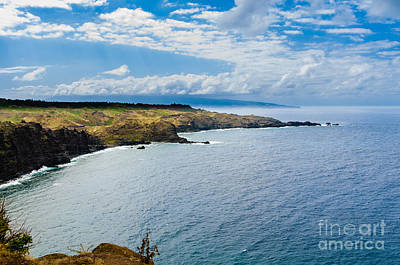 Photograph - Scenic Coastline On Maui Hawaii Usa by Don Landwehrle