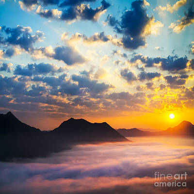 Sun Photograph - Sea Of Clouds On Sunrise With Ray Lighting by Setsiri Silapasuwanchai