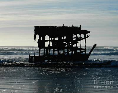 Photograph - Shipwreck by Chalet Roome-Rigdon