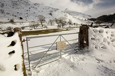 Drifting Snow Photograph - Snowdrifts Below Helvellyn by Ashley Cooper